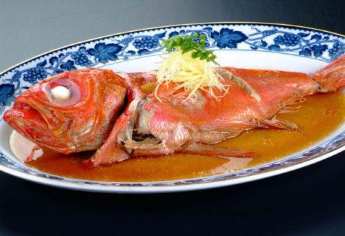 人気の金目鯛の煮付け