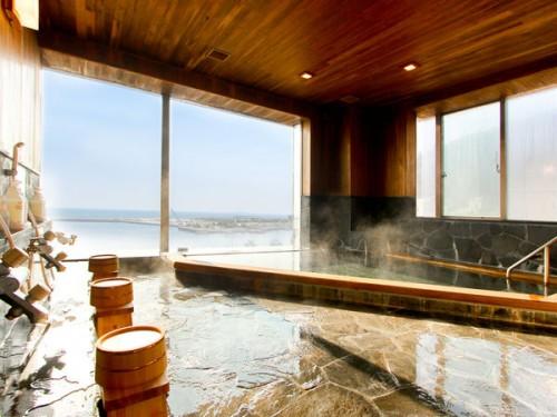 太平洋を一望できる天然温泉大浴場